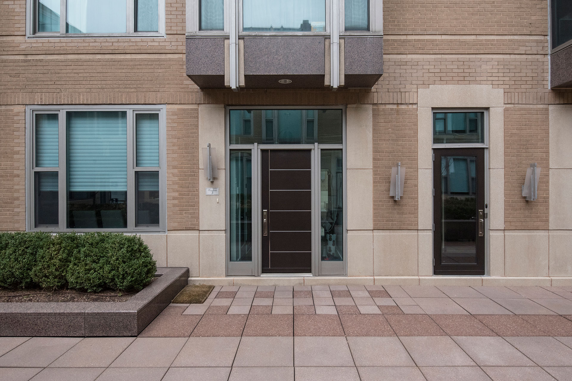 Modern Commercial Doors \u2013 33 W Ontario Street Chicago Townhomes - Featured Project by Glenview Haus & Modern Commercial Doors - 33 W Ontario Street Chicago Townhomes ...