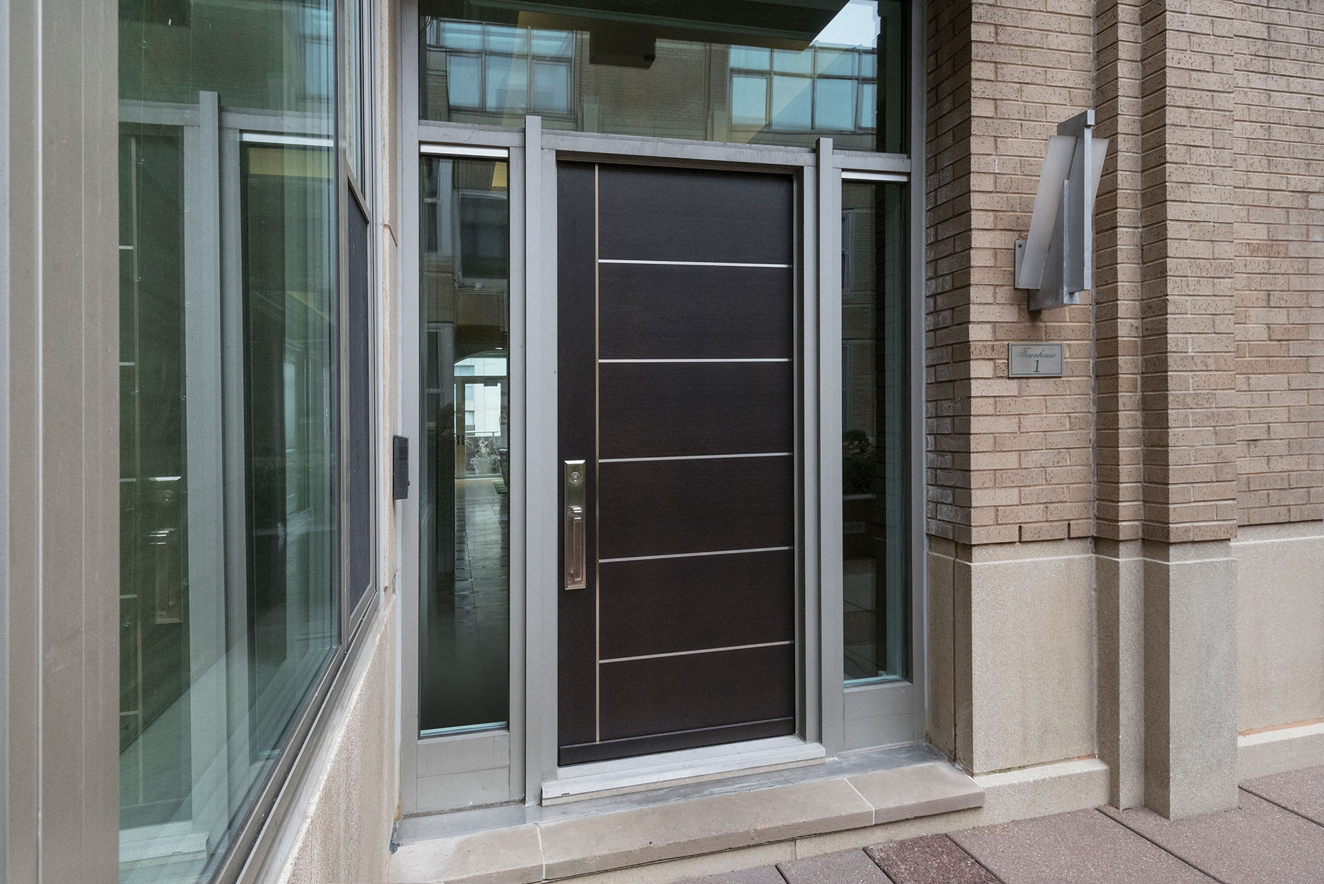 Modern Commercial Doors u2013 33 W Ontario Street Chicago Townhomes - Featured Project by Glenview Haus & Modern Commercial Doors - 33 W Ontario Street Chicago Townhomes ... pezcame.com