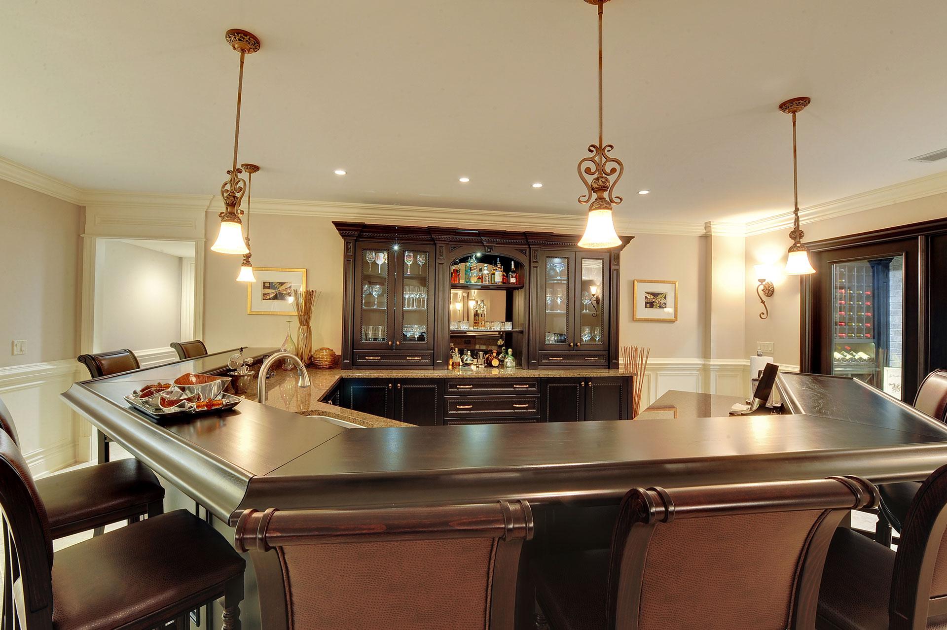 Glenview haus chicago showroom custom doors wine cellars for Top haus countertops